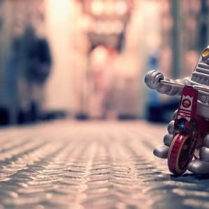 ANTIQUE ROBOT