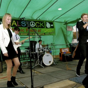 BALSTOCK 2014 - This Is Eight on Baldock High Street / London Rd Stage